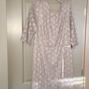 Dresses & Skirts - Beige lace dress